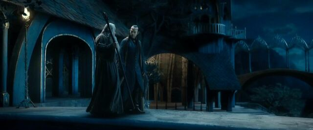File:Gandalf and Elrond discussion about Thorin's fanily.jpg