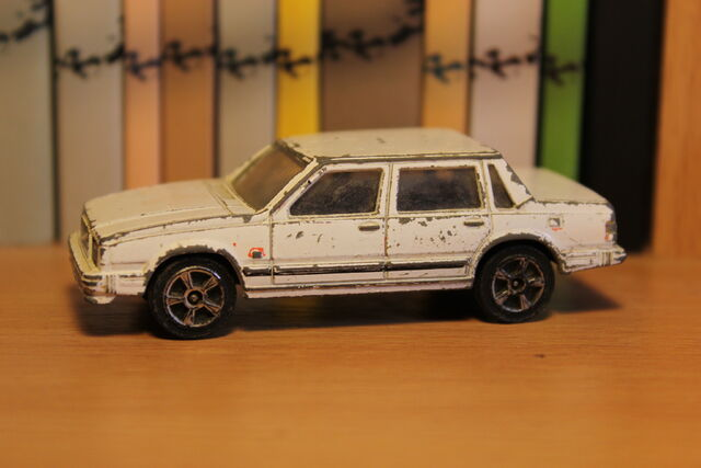 File:Volvo 740GL 01.JPG