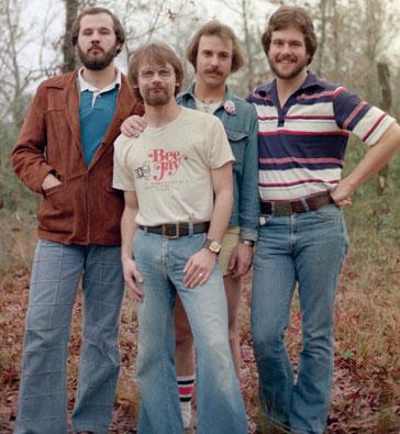 File:Petra 1977 o 1978b.jpg