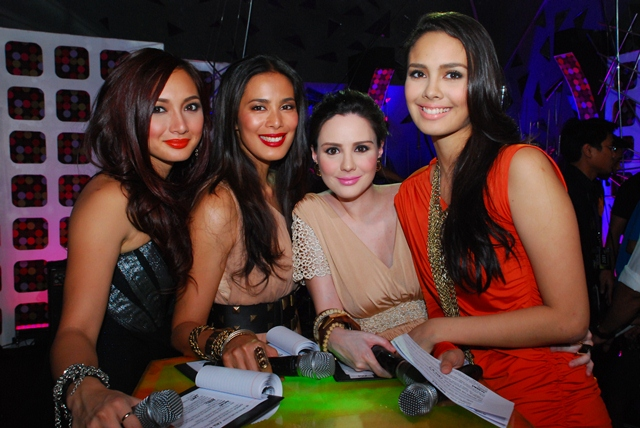 File:Hosts-Iya-Villania-Angel-Aquino-Chesca-Garcia-Kramer-and-Megan-Young-Us-Girls-August-Awards-2011.jpg