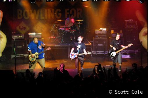 File:Bowling For Soup in concert.jpg