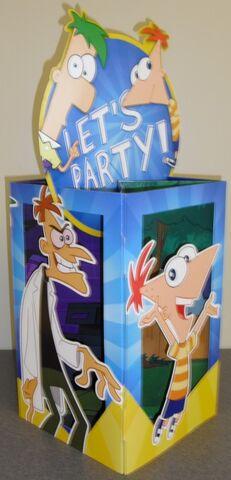 File:Hallmark birthday party centerpiece.jpg