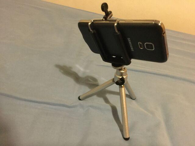 File:Samsungphonetripod.jpeg