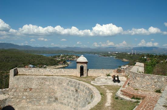 File:San-pedro-de-la-roca Santiago de Cuba.jpg