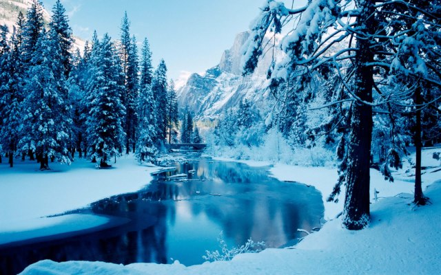 File:Winter-wallpaper-preview-12.jpg