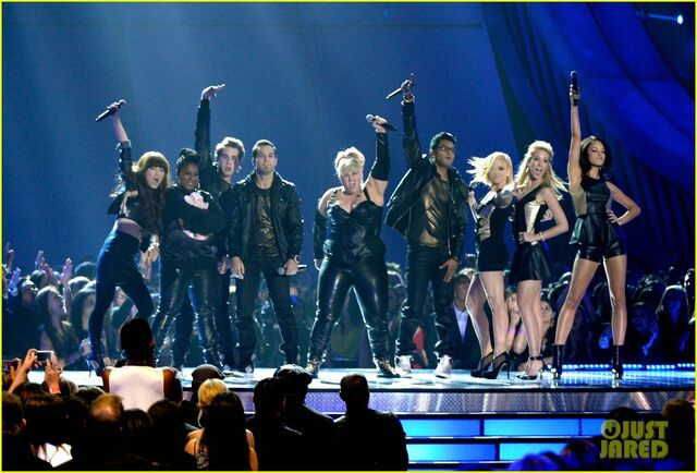 File:Pitch-perfect-mtv-movie-awards-2013-performance-watch-now-03.jpg