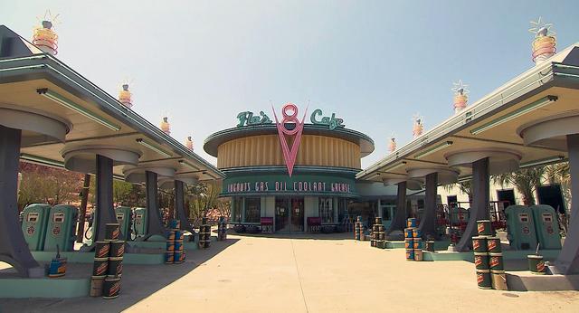 File:Flo's V8 Cafe Cars Land.png
