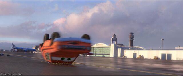 File:Cars2-disneyscreencaps.com-5260.jpg