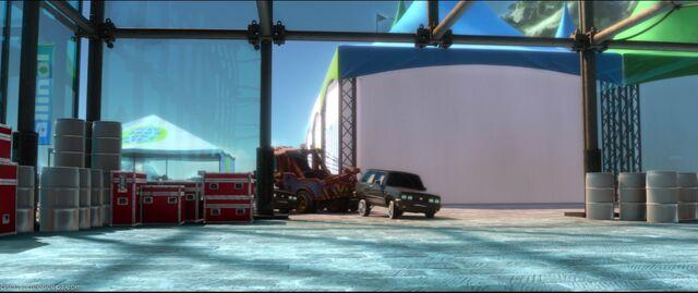 File:Cars2-disneyscreencaps.com-8714.jpg