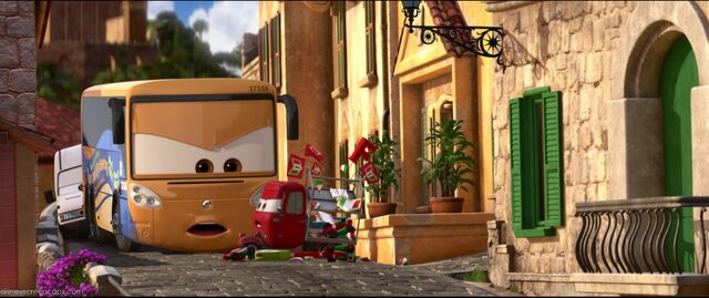 File:Cars2-disneyscreencaps.com-8050.jpg