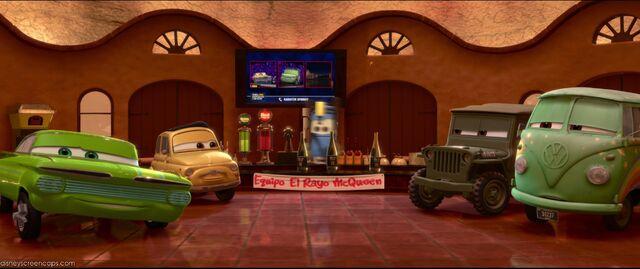 File:Cars2-disneyscreencaps.com-1901.jpg