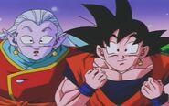Goku i Kaiobito słuchają opowieści o scaleniu Ro Kaioshina