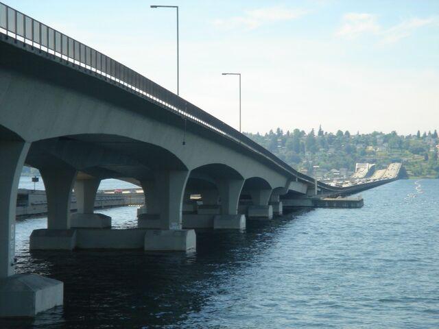 File:I-90 floating bridges looking west.jpeg