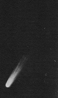 200px-Comet Arend-Roland 1957-1-