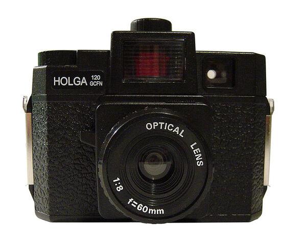 File:750px-Holga 120 GCFN.jpg