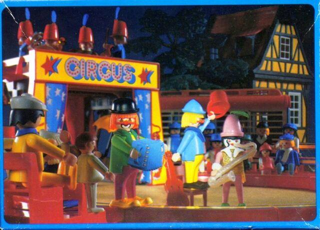 File:Gary and his clowns.jpg