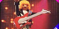 4512 Guitar Player
