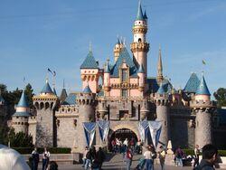Disneyland-castle1