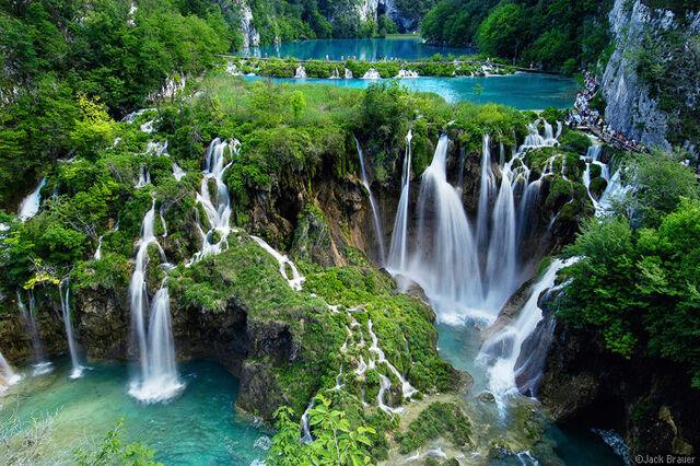 File:Plitvice-Lake-Croatia.jpg