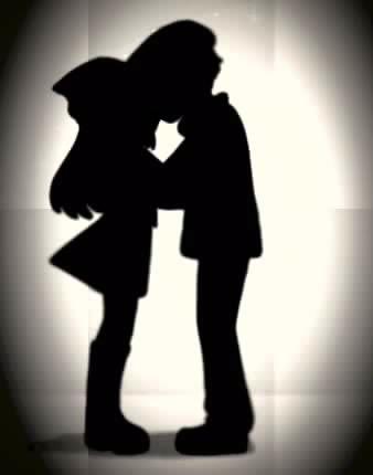 File:Lucas and dawn kis.jpg
