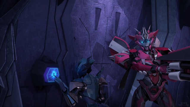 File:Cyber and Elita One infiltrate the Nemesis.png