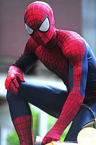 File:Amazing-spider-man-2-on-set-photo-rhino-4.jpg