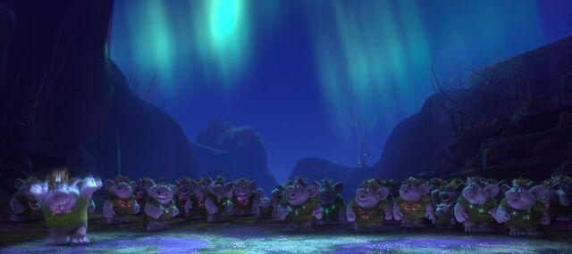 File:1000px-Frozen's Trolls.jpg