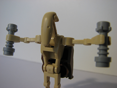 File:Battle Droid Jedi with Two Light Sabers.jpg