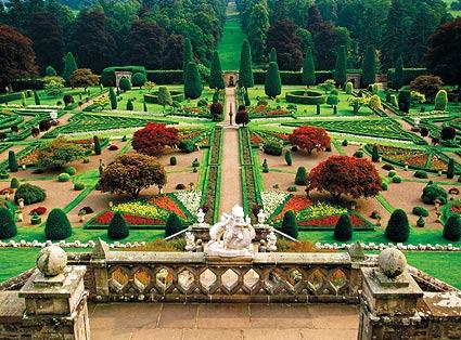 File:Drummond Castle Gardens, near Crieff.jpg