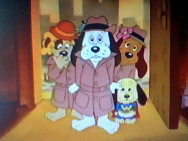 File:Pound Puppies at Bark and Growl Cafe.jpg
