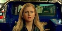 Summer Landsdown Gark (Rose McIver)