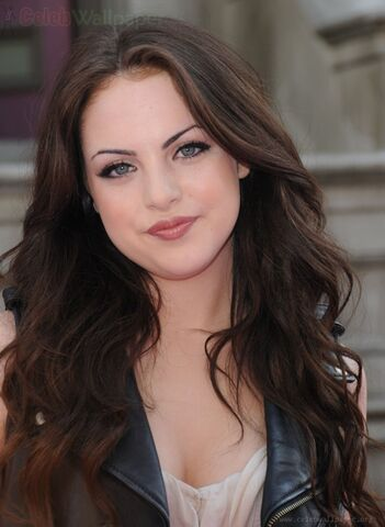 File:Elizabeth Gillies Pictures 03.jpg