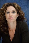Amy-brenneman(3)