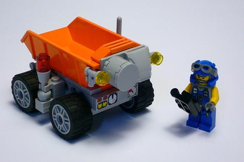 File:Bucket robot.jpg