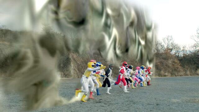 File:Dimensional wall - Liveman, Goggle V, Maskman, Jetman, Fiveman.jpg