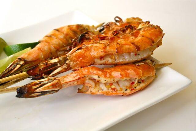 File:Indian-prawns-on-skewers.jpg