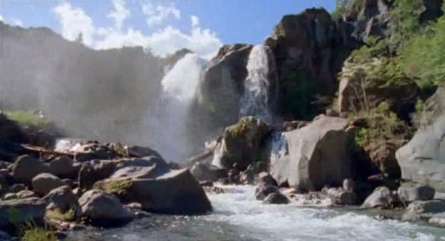 File:Water fall.jpg