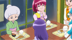 The girls eating with Mitsutani