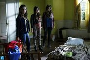 Pretty Little Liars - Episode 4.16 - Close Encounters - Promotional Photos (2) 595 slogo