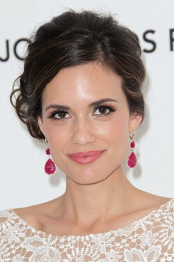 Torrey-DeVitto-at-20th-Annual-Elton-John-AIDS-Foundation-Party-2012-torrey-devitto-29522955-396-594