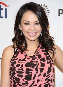 Janel-parrish-at-pretty-little-liars-panel-at-paley-fest 1