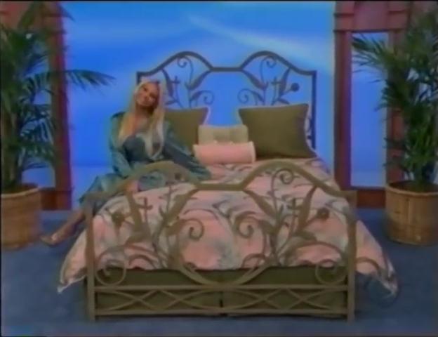 File:Gabrielle Tuite in Satin Sleepwear 05-02-2008 Pic-18.jpg