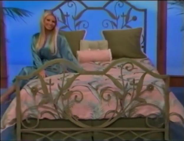 File:Gabrielle Tuite in Satin Sleepwear 05-02-2008 Pic-1.jpg