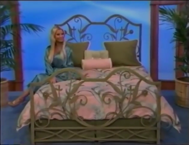 File:Gabrielle Tuite in Satin Sleepwear 05-02-2008 Pic-10.jpg