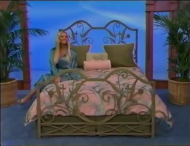 File:Gabrielle Tuite in Satin Sleepwear 05-02-2008 Pic-14.jpg
