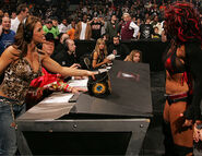 Raw 11-27-06 12