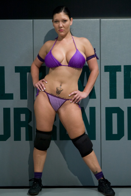 Annette schwarz dominated by brandon iron davinci - 2 1