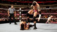 October 19, 2015 Monday Night RAW.37