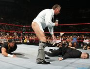 Raw-5June2006.35