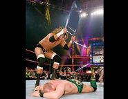 November 21, 2005 Raw.22